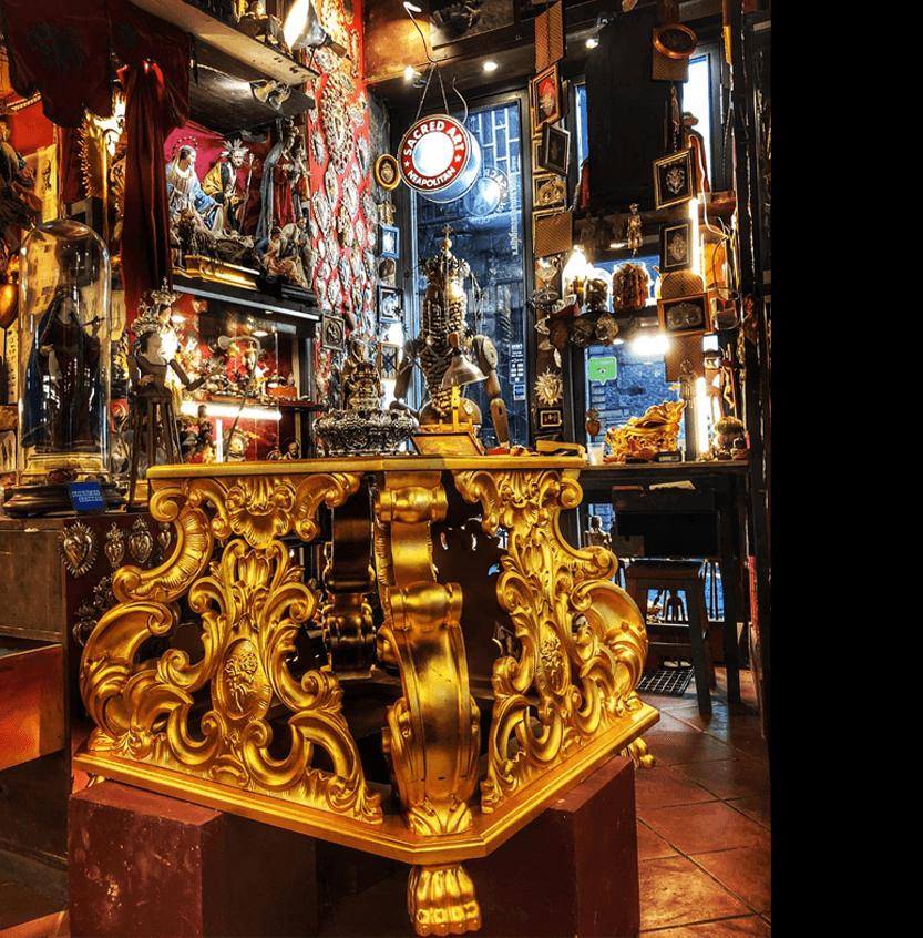 Laboratorio oggetti sacri e presepiali a Napoli